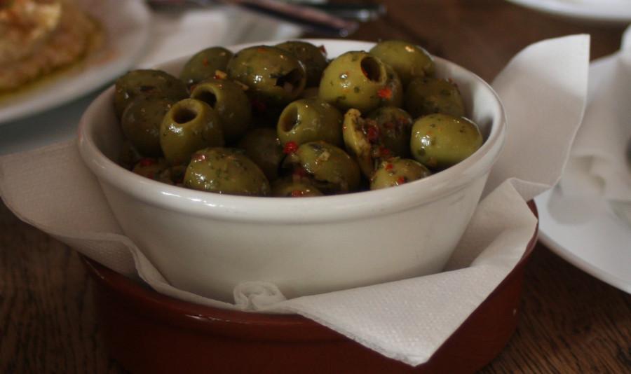 oliven zum hummus